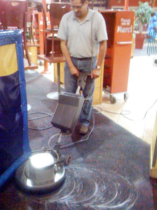 Abnettoyage tapis moquettes nettoyage fond entretien for Moquette restaurant